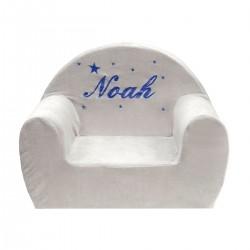 Idée cadeau de naissance : un fauteuil club gris personnalisé