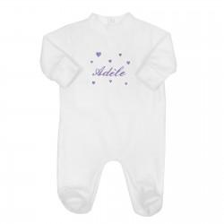 Pyjama bébé brodé avec des cœurs