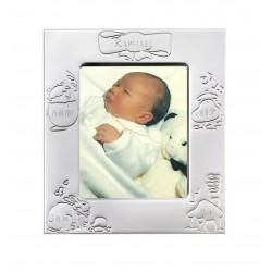 Cadre de naissance en métal argenté gravé des coordonnées de naissance de bébé.